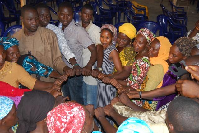 Im Friedenskreis Gewaltfreiheit üben